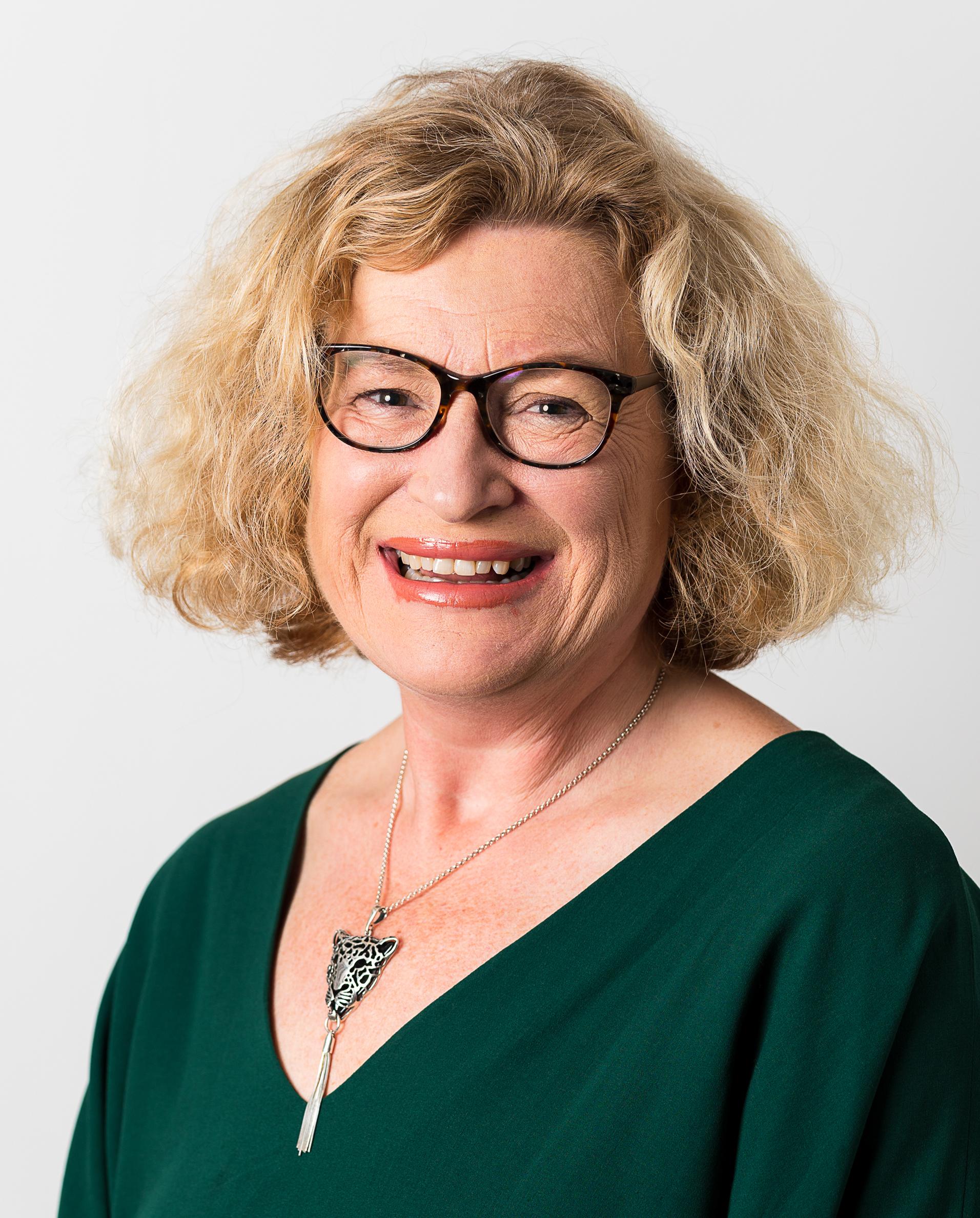 Gill Morris